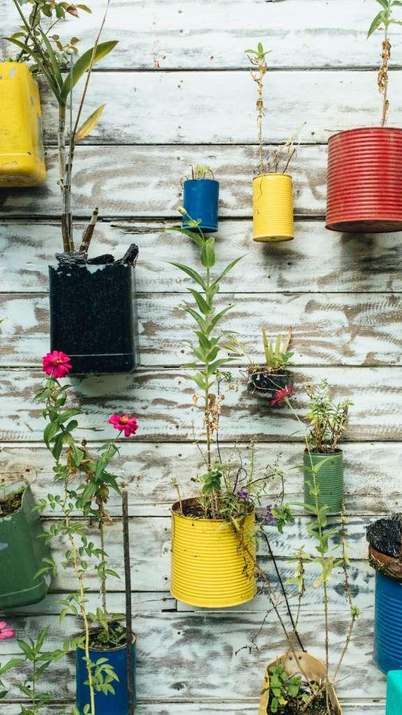 Des pot de fleurs fabriqué avec de la récup