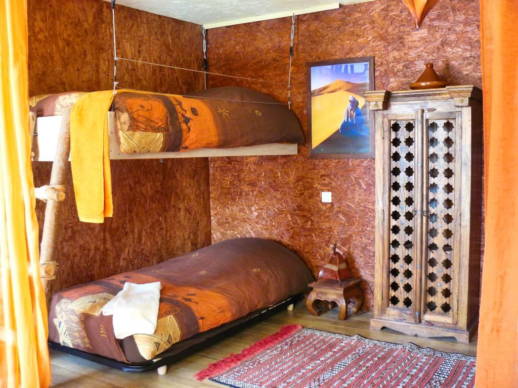 La chambre Sahara et ses lits superposés